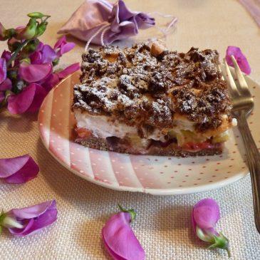 Bezglutenowe kruche ciasto gryczane z czerwoną porzeczką i rabarbarem