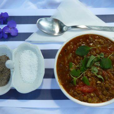 Fakes – wegetariańska grecka zupa z soczewicy zielonej