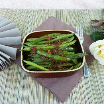 Fasolka szparagowa z chlebem żytnim na zakwasie