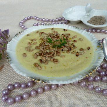 Kalafiorowa zupa krem na mleku kokosowym