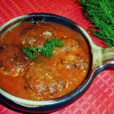 Kotlety mielone w sosie pomidorowym