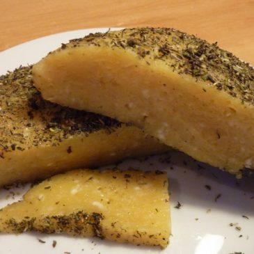 Domowy żółty ser bez podpuszczki