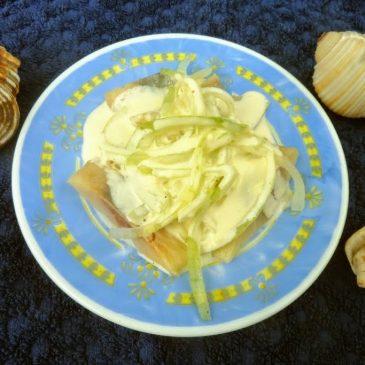 Śledź w sosie jogurtowo-majonezowym słodko-kwaśnym