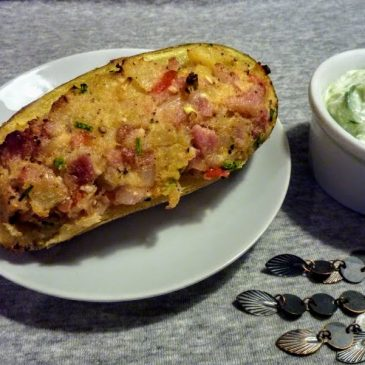 Pieczony ziemniak faszerowany