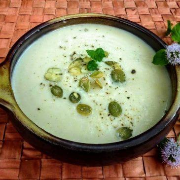 Zupa krem z kalafiora, selera i pietruszki