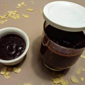 Krem czekoladowo-migdałowy