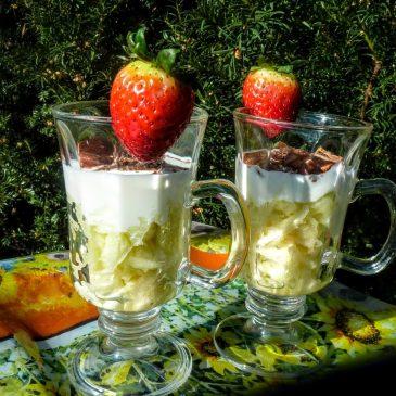 Deser jabłkowo-jogurtowy