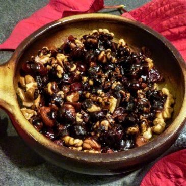 Słodka przekąska orzechowo-owocowa