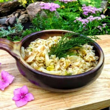 Kapusta z cukinią, selerem i brązowym ryżem