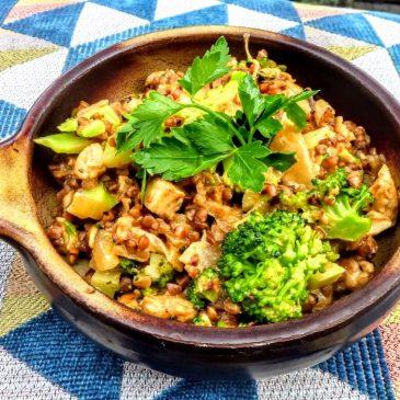 Kaszotto z kurczakiem, brokułem, suszonymi pomidorami i mleczkiem kokosowym